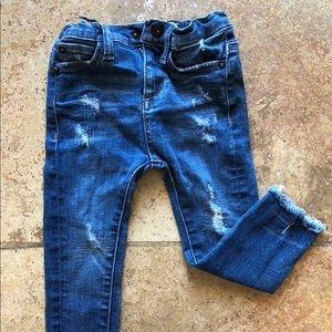 Distressed raw hem toddler jeans